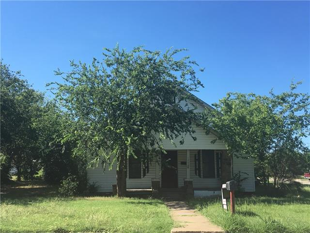1200 Blewett St, Graham, TX 76450