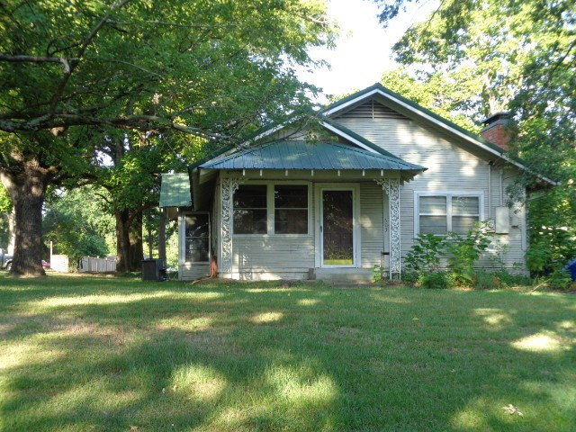 Photo of 603 W Pine Street  Winnsboro  TX
