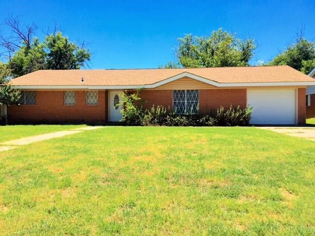 1308 Compton St, Stamford, TX 79553