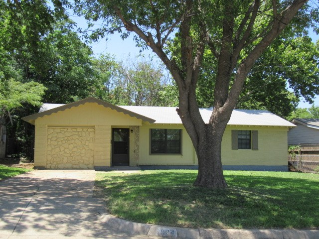 Photo of 1824 Lucas Drive  Fort Worth  TX