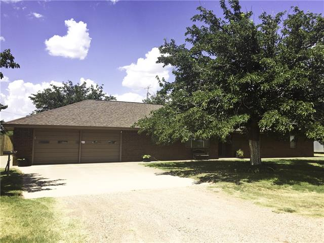 1301 Oak St, Stamford, TX 79553