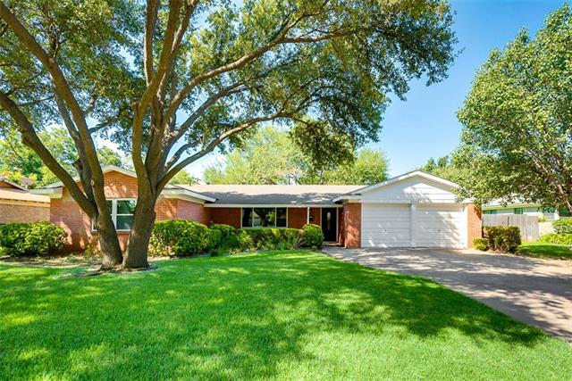 Photo of 4225 Whitfield Avenue  Fort Worth  TX