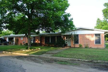 Photo of 421 S 10th Avenue  Teague  TX