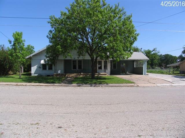 Photo of 601 SW Grand Avenue W  Comanche  TX