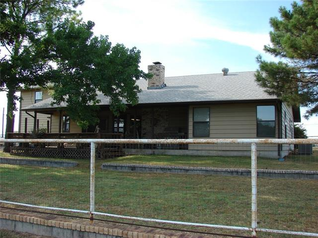 Photo of 205 County Road 4653  Rhome  TX