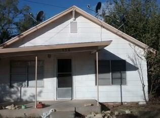 530 Yale St, Stamford, TX 79553
