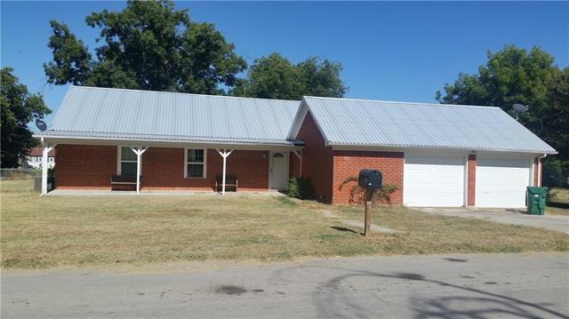 Photo of 210 N Bryan Street N  Comanche  TX