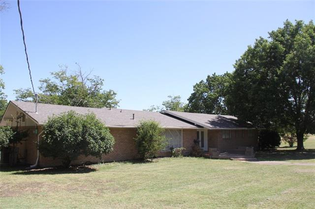 1303 E Elm St, Hillsboro, TX 76645