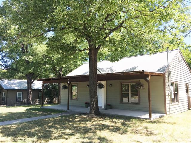 Photo of 419 W Water Street  Weatherford  TX