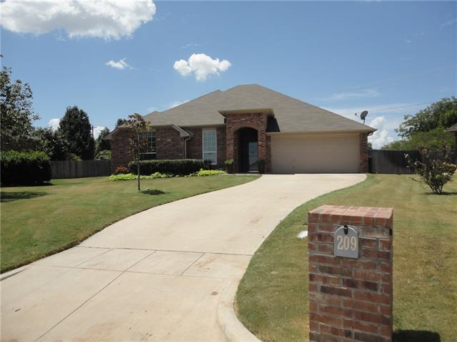 Photo of 209 Waverly Court  Weatherford  TX