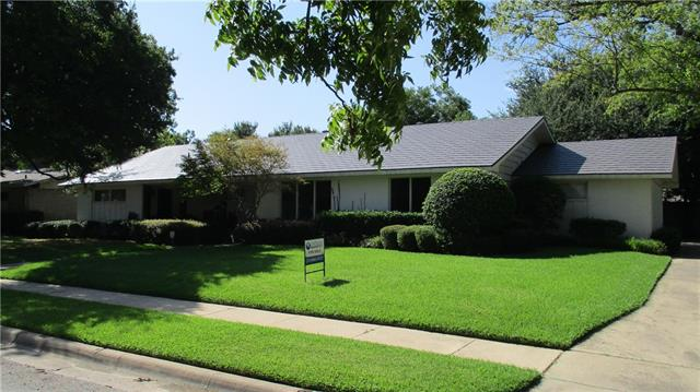 Photo of 11531 Cromwell Circle  Dallas  TX
