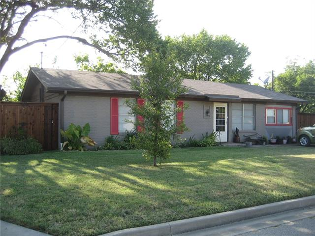 Photo of 301 Walnut Street  Sanger  TX