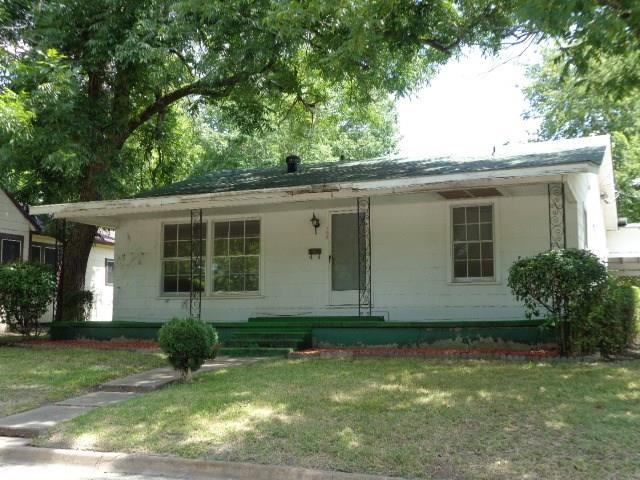 Photo of 308 Taylor Street W  Clarksville  TX