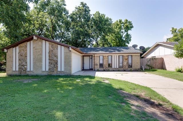 Photo of 301 Beatty Drive  Grand Prairie  TX