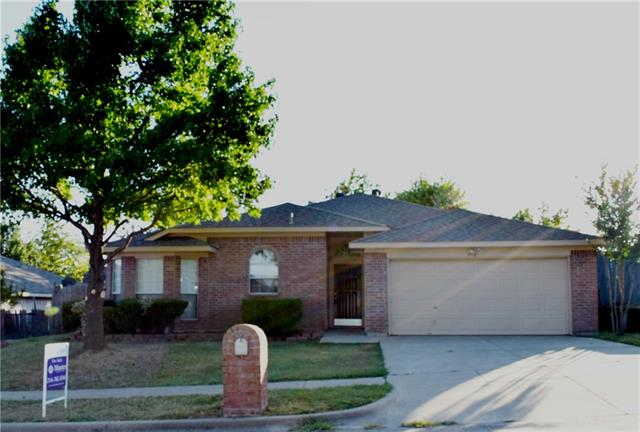Photo of 7112 Stonegate Drive  Benbrook  TX