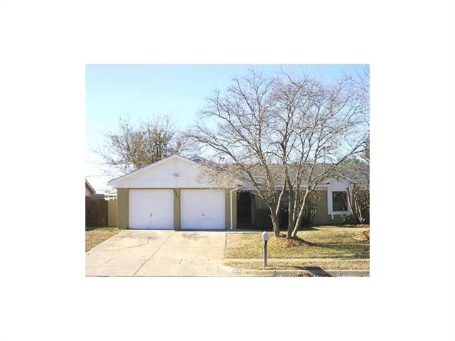 Photo of 1313 N Knowles Drive  Saginaw  TX