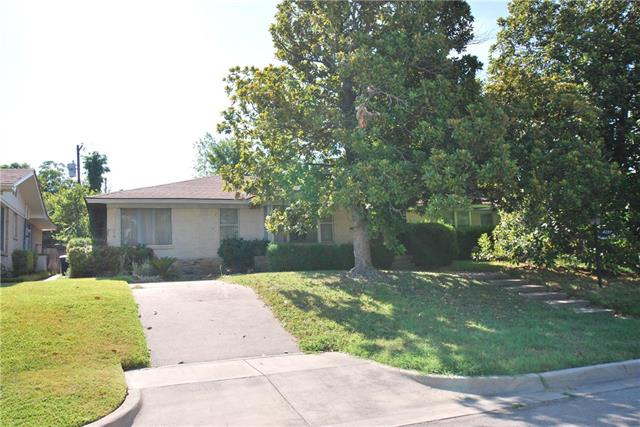 Photo of 4237 Westmont Court  Fort Worth  TX