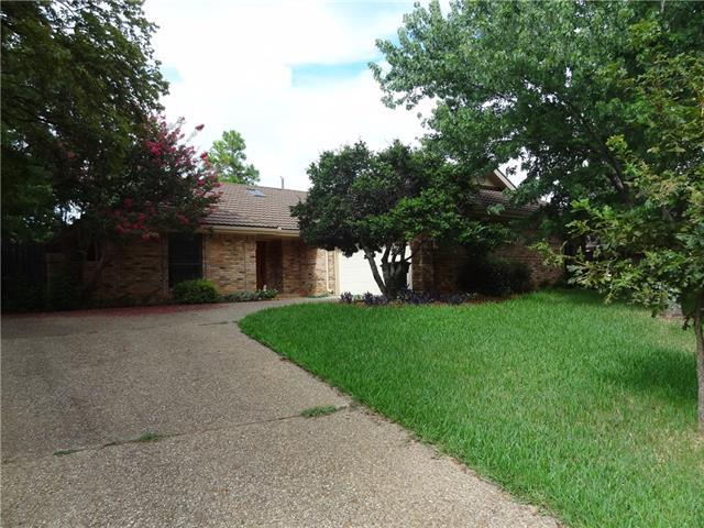 Photo of 2935 S Creekwood Drive  Grapevine  TX