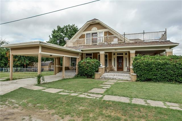 Photo of 611 N Proctor Street  Alvord  TX