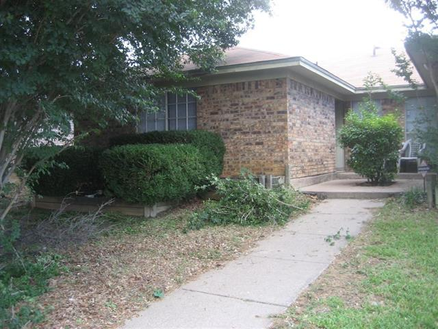 Photo of 601 Lost Springs Court  Arlington  TX