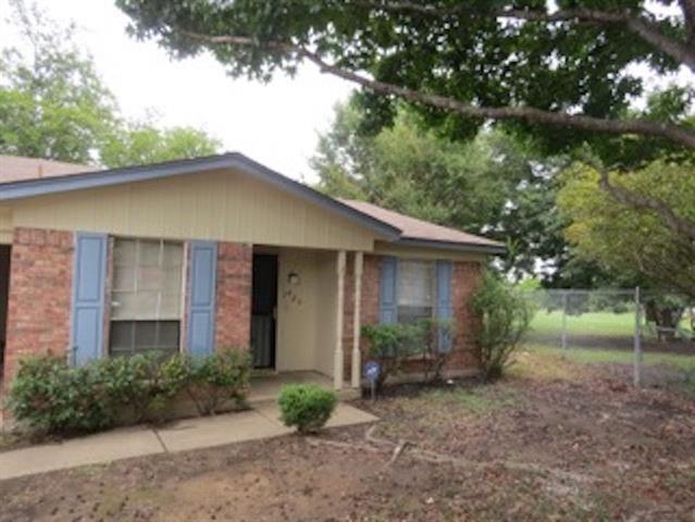 Photo of 7425 Darien Street  Fort Worth  TX