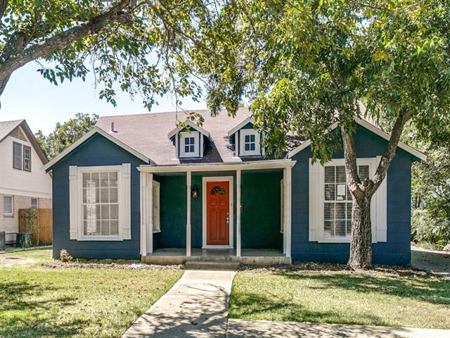 Photo of 304 Bellevue Drive  Cleburne  TX