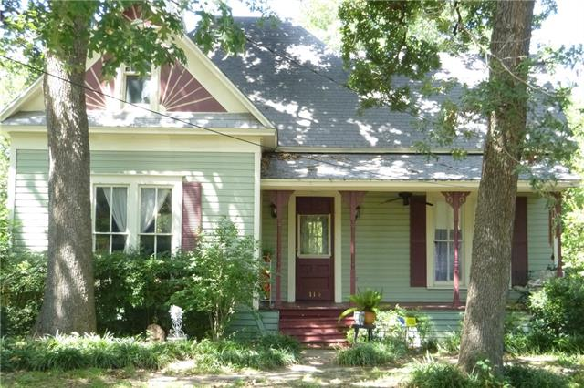 Photo of 116 W Russell Street  Weatherford  TX
