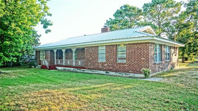 Photo of 301 County Road 4858  Newark  TX
