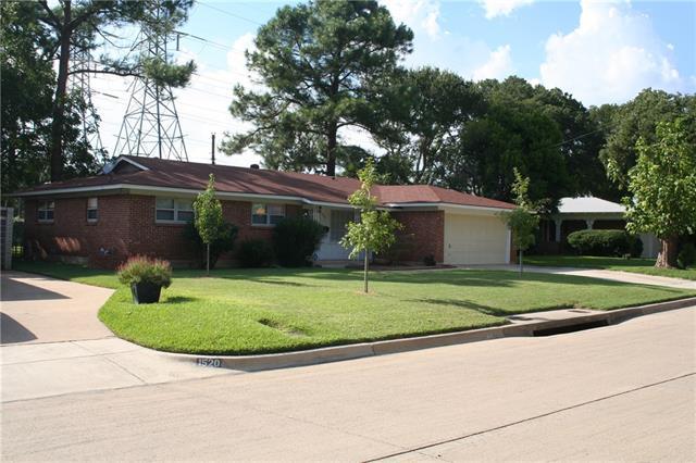 Photo of 1516 Grantland Circle  Fort Worth  TX