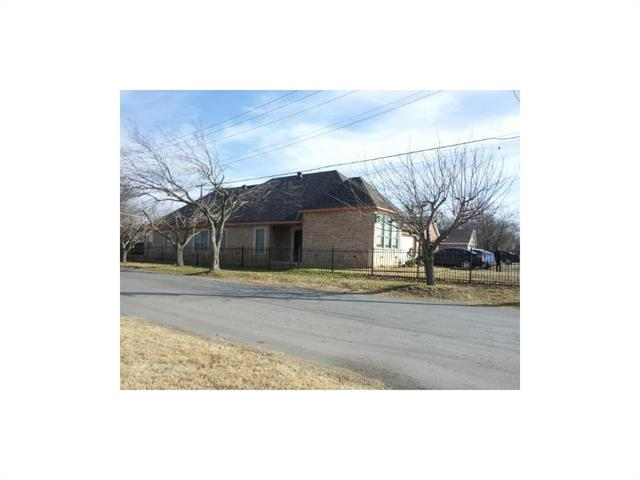 Photo of 2901 E Berry Street E  Fort Worth  TX