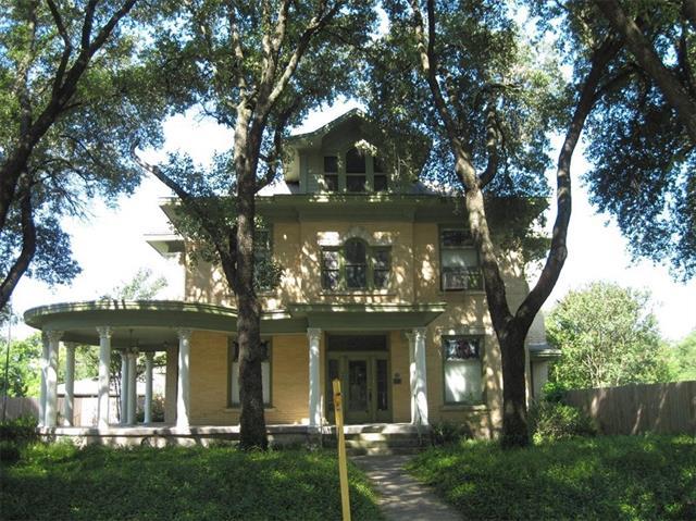 Photo of 409 N Pleasant Street  Hillsboro  TX
