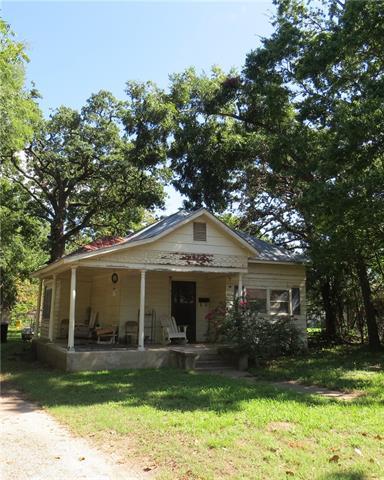 Photo of 713 Pecan Street  Teague  TX