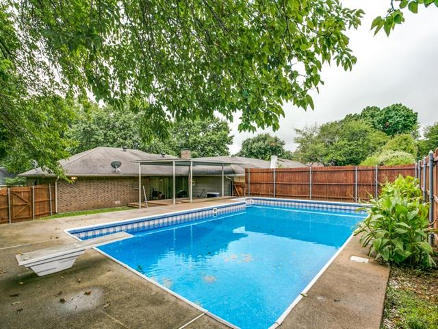 Photo of 413 Tanglewood Drive  DeSoto  TX
