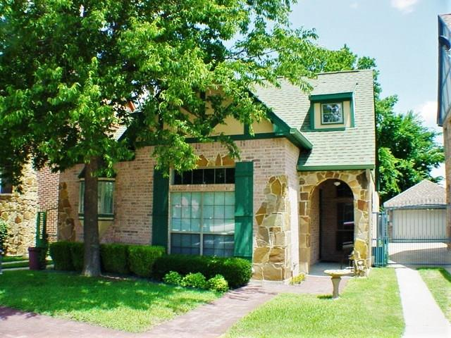 Photo of 508 Phillip Drive  Cedar Hill  TX