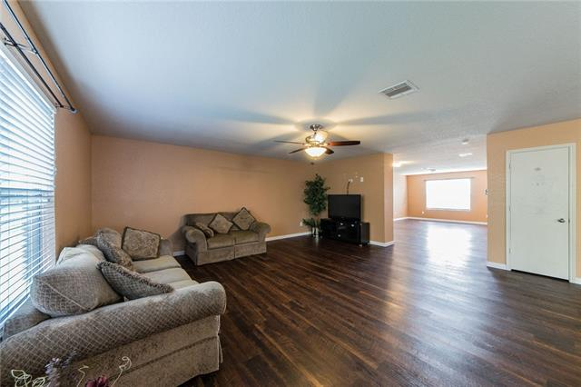 Photo of 8212 Cutter Hill Avenue  Fort Worth  TX