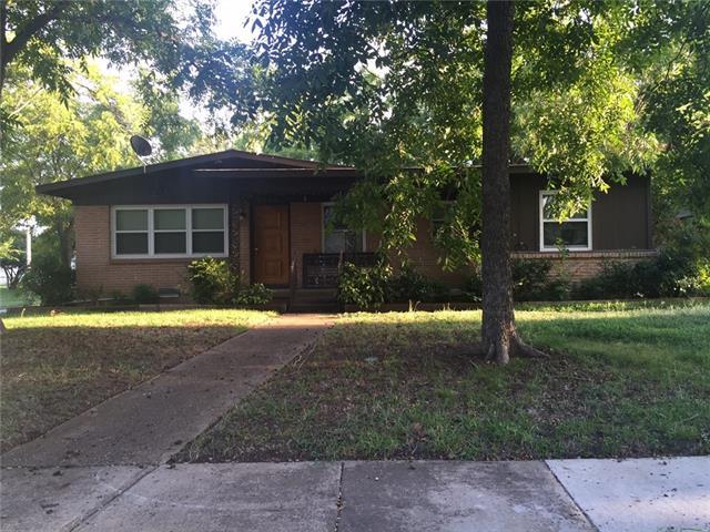 Photo of 1304 Marshalldale Drive  Arlington  TX