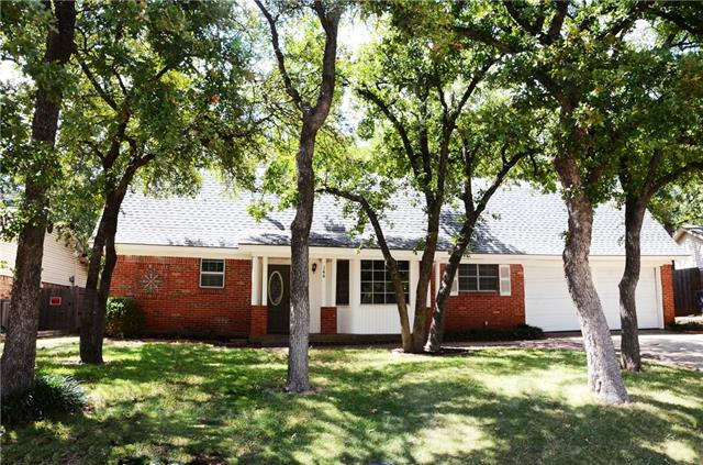 Photo of 144 Stonegate Court  Bedford  TX
