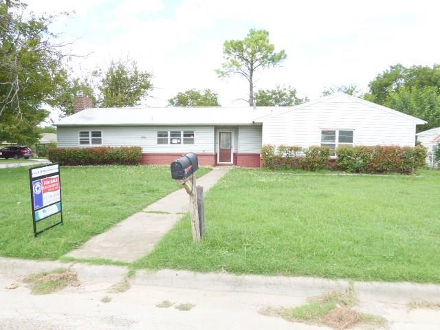 1134 Turner Dr, Jacksboro, TX 76458