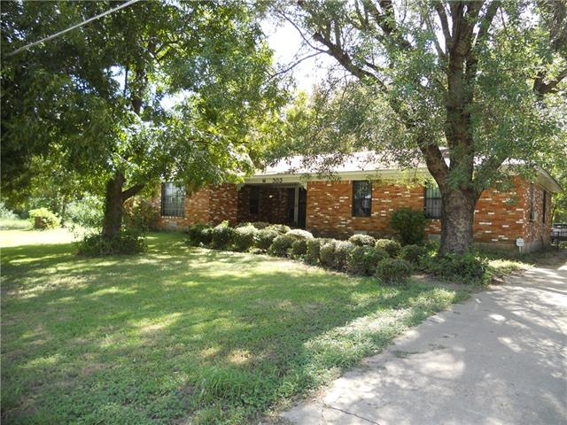 Photo of 303 Arnold Street  Ennis  TX