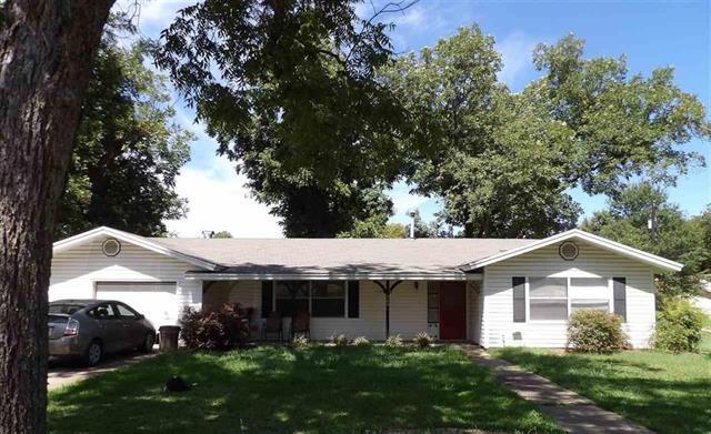 Photo of 302 W Honey Grove Street  Roxton  TX