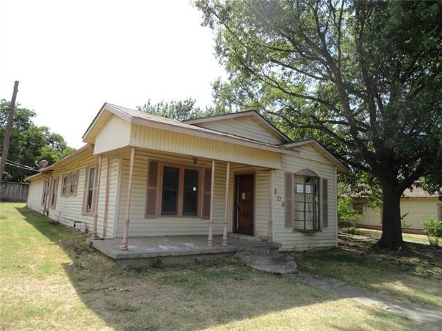 Photo of 803 Ripley Street  Ennis  TX
