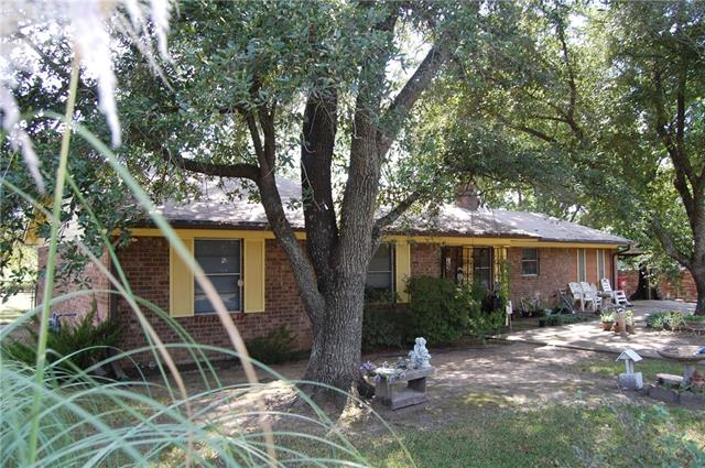 Photo of 123 Northtown Drive  Wills Point  TX