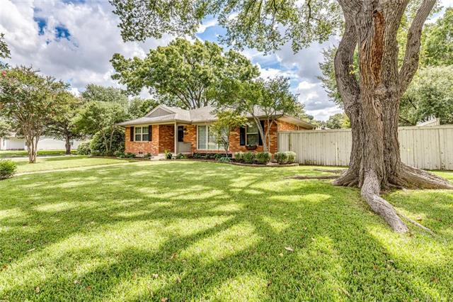 Photo of 10518 Lakemere Drive  Dallas  TX