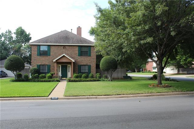 Photo of 3349 Knob Oak Drive  Grapevine  TX