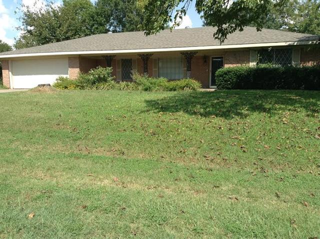 300 N Elm St, Blooming Grove, TX 76626