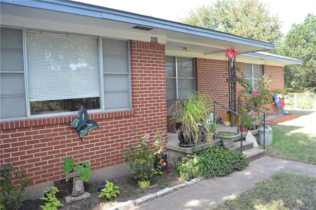 Photo of 406 W Mclain Street  Iredell  TX