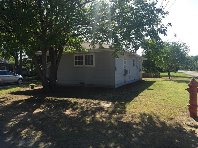 Photo of 1017 Young Street  Nocona  TX