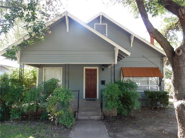 218 McClain St, Gainesville, TX 76240