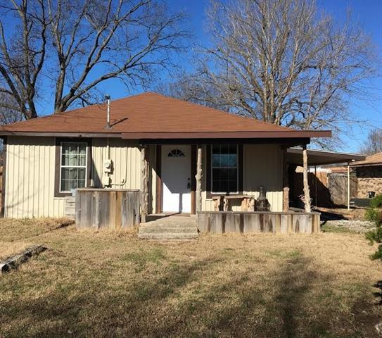 Photo of 413 E Locust Street  Collinsville  TX