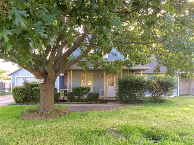 Photo of 107 Howland Lane  Waxahachie  TX